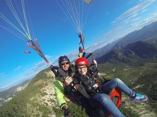 Haut les mains : paragliding